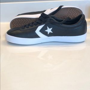 Brand new 10.5 men's leather converse